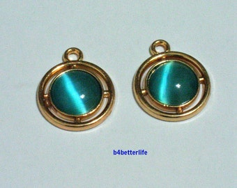 "Lot of 24pcs ""Emerald"" Gold Colored Plated Lucite Metal Charm. #HY1091."