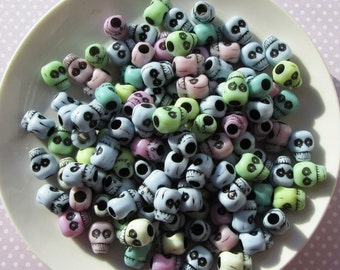 30g Of Mixed Colourful Acrylic Skull Beads 12x11mm Approx 32 Pieces Pale Pastel Colours