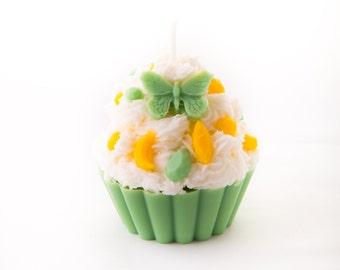 Natural cupcake candle