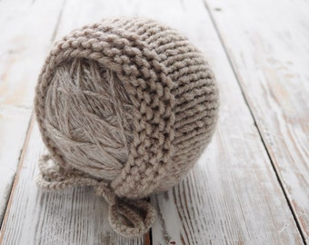 Newborn knit Hat. Beige Bonnet. Photo prop Hat. Baby Bonnet.