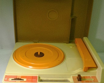 Vintage Fisher Price 1978 Portable Record Player #825 33 45 RPM Phonograph Turntable Turn Table