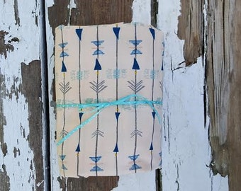 Geometric Arrows//Changing Pad Cover//Crib Sheet