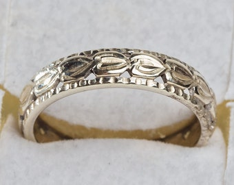 9 ct solid white gold wedding ring