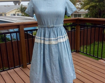 1950s Peter Pan Collar Belted Day Dress