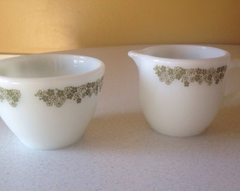 VINTAGE PYREX Tableware by CORNING - Spring Blossom Cream & Sugar Dish Set, White Milk Glass, Daisy Pattern, Olive Green Kitchen, 1970s