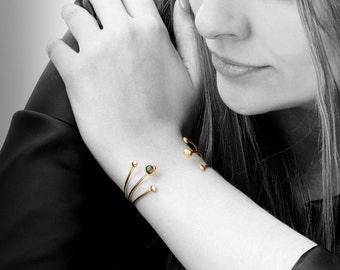 Labradorite bracelet,gold bracelet,vintage bracelet,gold filled cuff,gemstone bracelet,open bracelet,handmade jewelry