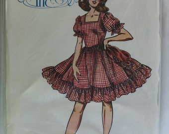Authentic Patterns 275 Square Dance Skirt and Peasant Top size 6,8,10 uncut