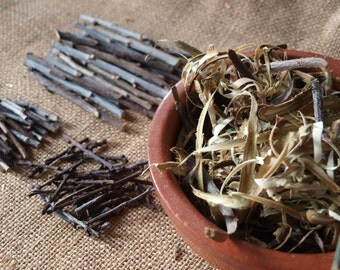 LOT of Blackthorn Wood - Bark, chippings, twigs and thorns (witch, wicca, magick)