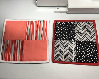 Quilted pot holders/hot pads set of 2