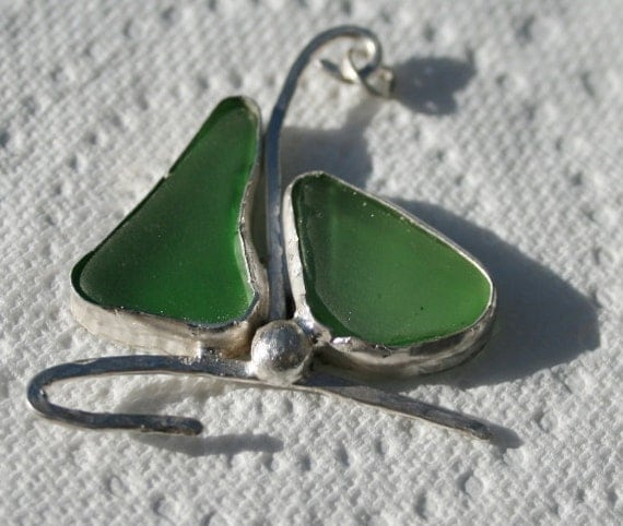 SAILING BOAT PENDANT - Green seaglass set in Sterling Silver