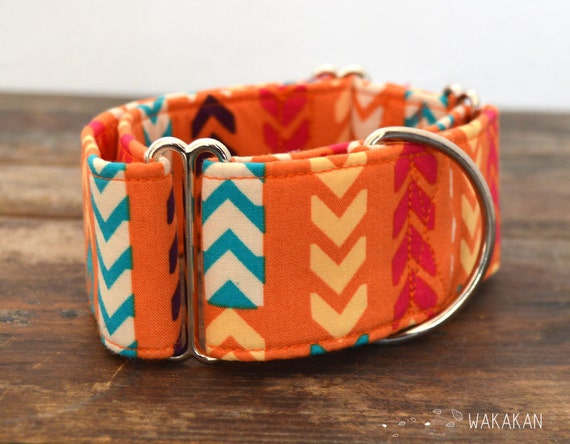 Martingale dog collar model Arrows. Adjustable and handmade with 100% cotton fabric. Native modern and colorful design Wakakan