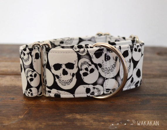 Martingale dog collar model Back to Skull. Adjustable and handmade with 100% cotton fabric. Glow in the dark fabric Wakakan