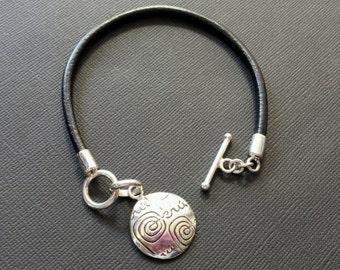 950 Silver Leather Cord Bracelet Peru Logo
