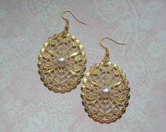 Boho chic gold earrings Oriental look
