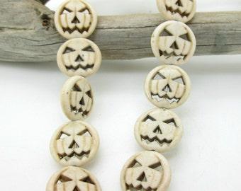 Natural White Howlite Pumpkin Bead, Jack O Lantern Bead, Halloween Pendant, 15mm (4)