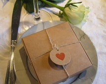 10x rustic vintage wedding favour kraft boxes with round heart tags - large or small