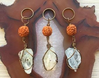 Aquamarine & rudraksha seed keychain // aquamarine keychain // aquamarine purse charm // bohemian keychain // crystal keychain
