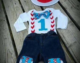 Dr. Seuss birthday,  cake smash,  everyday outfit!