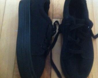 platform sneakers womens 7us