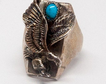 Beautiful vintage Nation American sterling silver ring with eagle and tourquoise