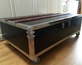 Very cool industrial XL couchtable on wheels with integrated bar