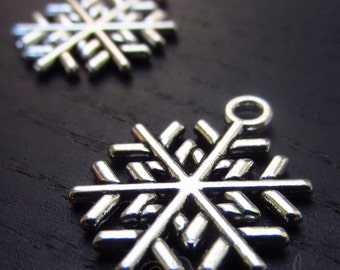 Snowflake Charms - 10/20/50 Wholesale Antiqued Silver Plated Winter Pendants C2063