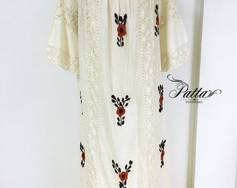 Vintage Mexican crochet hand embroidered dress, flower embroidery, cream boho hippie dress