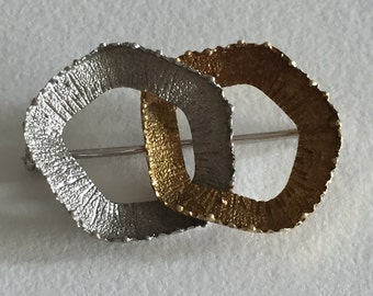 A 18k 1960s Modernist Abstract Brooch