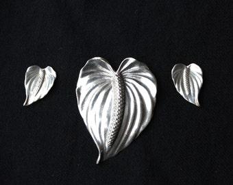 On Sale!! Vintage MING's of Honolulu  HAWAIIAN ANTHURIUM Brooch & Earrings Set