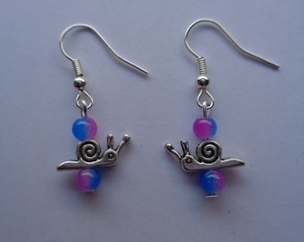 Silver metal coloured cute tiny snail charm beaded dangly Earrings