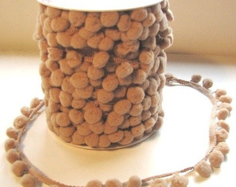 3 Meters Of 15mm Pom Pom Trim In Natural/Taupe. Crafting Supplies, Decorative, Cushions, Upholstery.
