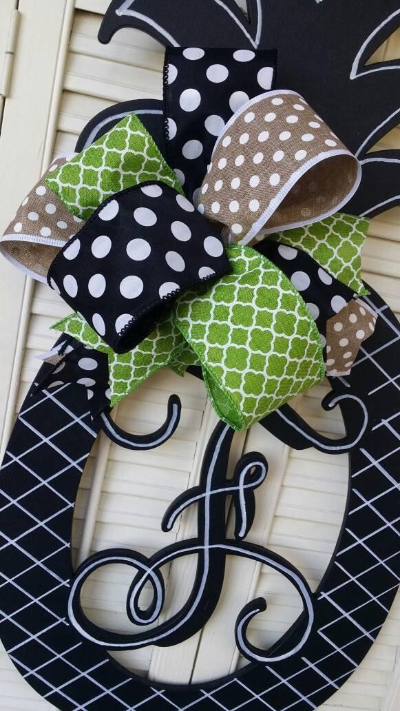 Black And White Pineapple Door Hanger