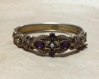 Fine vintage bracelet with purple stones