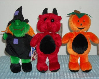 SALE! 21.99 Disneyland Paris, France/Special Halloween Set, Witch, Pumpkin and the Devil/Exclusive To Paris Disneyland! New With Tags