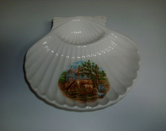 Vintage made in Japan decorative ceramic sea shell