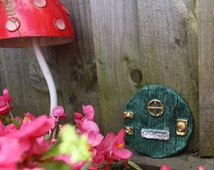"""Lord of The Rings Hobbit Style """"Bag End"""" Green Fairy Door - - Made in Cornwall by The Cornwall Stoneware Company"""