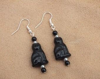 Black cat earrings, beaded earrings, black earrings