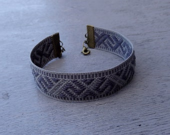 woven bracelet, fabric braclet, gray arm band, patterned wrist band, men ribon bracalet,  women braclet, modern textile wrist band, ethnic