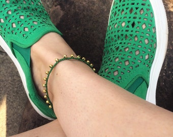 Green macrame anklet with 24k gold plated beads