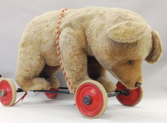 Vintage Steiff Bear on Wheels