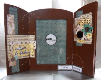 """Framework triptych wooden scrap to ask """"Cultivating happiness"""""""