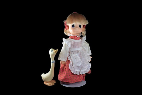 Precious Moments Doll, Patty and Goose, Blonde, Blue Eyed, Pink Dress, White Apron, 16 Inches Tall, Stand Included, Soft Body Doll
