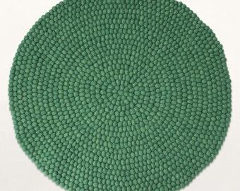 Felt ball rug - Elysia | Green | Filzkugelteppich (fast shipping)