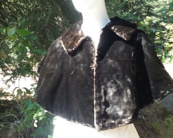 Titanic Historical Collectors Item -Lady Lenox Conyngham Passenger: Brown Beaver Fur Cape