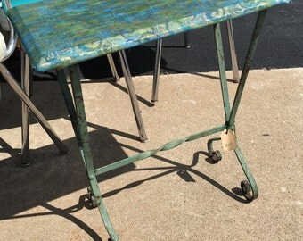 Darling wrought iron painted teal green small side table plabt stand retro antique