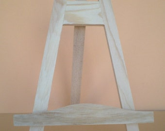 Stable table easel, card holder