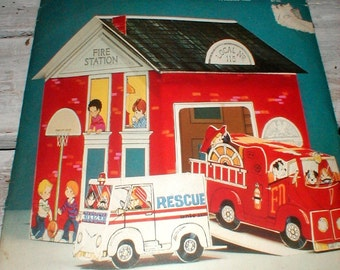 Vintage Hallmark *Firehouse Fun* Centerpiece Room Decoration Toy *Perfect for play and display*