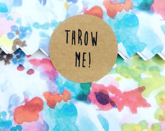 THROW ME! Kraft brown stickers/seals for wedding confetti x 35 stickers