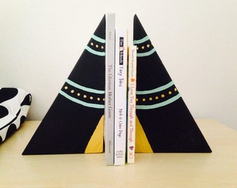 Wooden Teepee Bookends, children's bookends, teepee decor, wood teepees, wood blocks, children's teepees