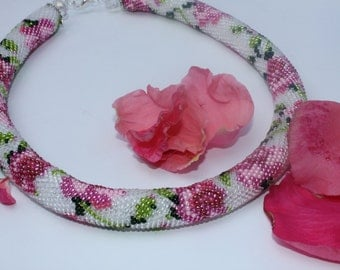Rose necklace Roses Gift for Bride Botanic jewelry from Valentine Bohemian Crocheted necklace Bridesmaids gift Flower jew